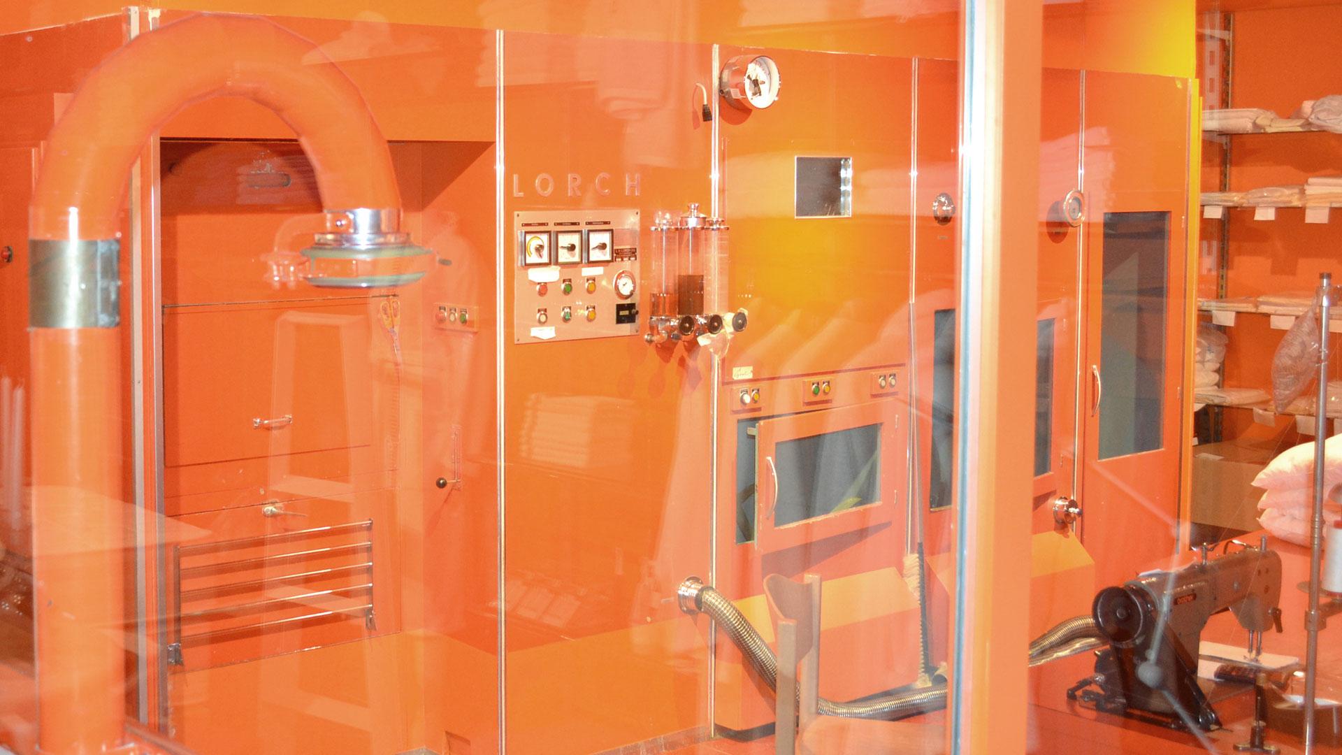 171109_1920x1080_72dpi_orange